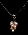 unique_pearl_bunch_necklace